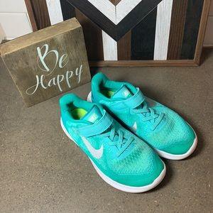 Nike Free RN sneakers girls size 1.5